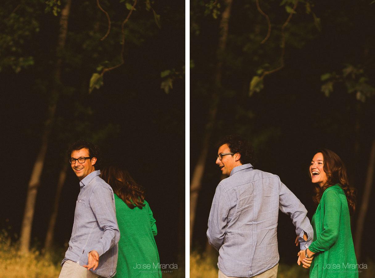 serie de fotos de pareja andando en camino mientras conversan y sonrien