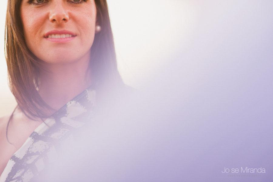 detalle de los labios de una novia en una sesión de pre-boda en Jaén en una fotografía de Jose Miranda