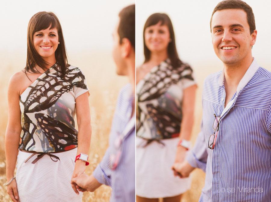retrato de novios paseando de la mano en una sesión de pre-boda en una fotografía de Jose Miranda