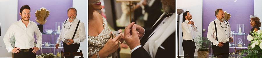 la familia de la novia preparándose para la ceremonia