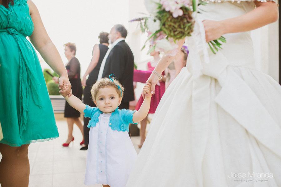 retrato de bebe el día de la boda de maría y luis en martos