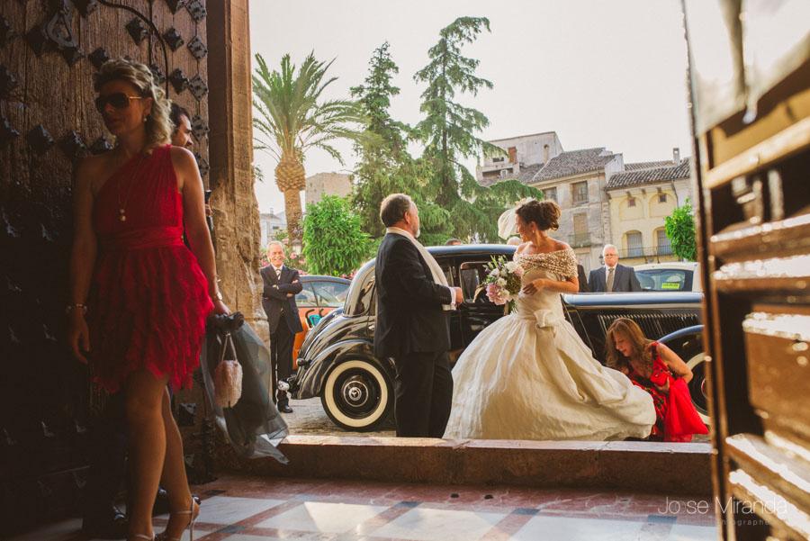 entrada de la novia a la iglesia de santa marta de martos