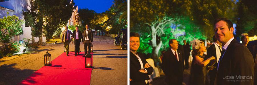 Invitados llegando a la boda en el Cortijo el Madroño en Martos
