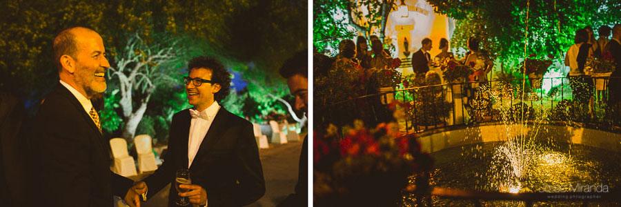 Novios recibiendo a los invitados de la boda en el Cortijo del Madroño en una boda en Martos