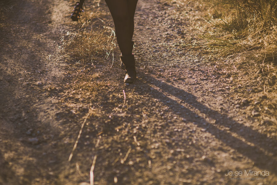 Sesion de fotos en el campo con la artista Amynata
