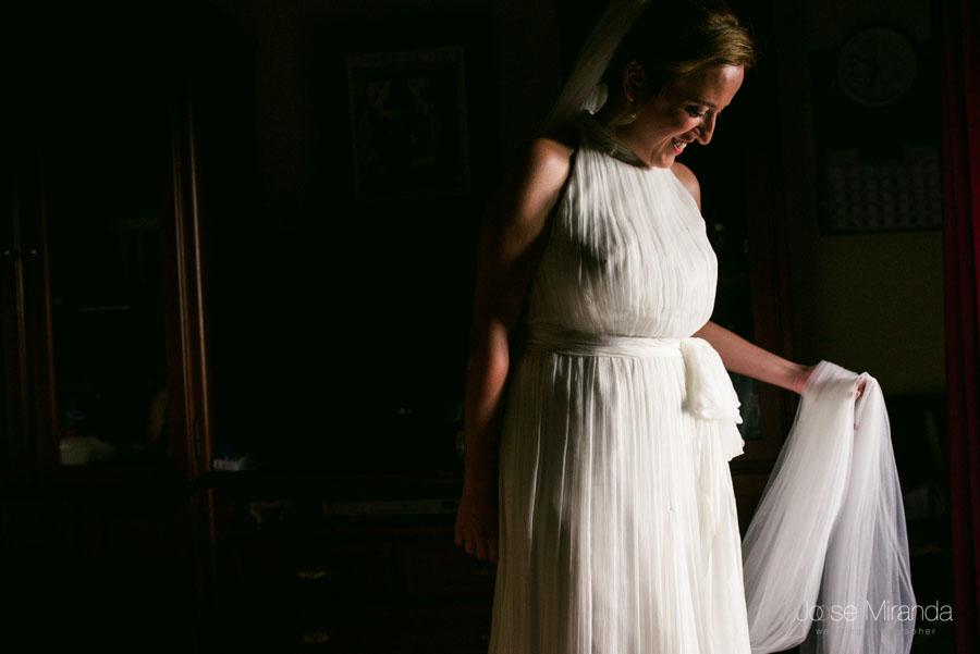 Inma antes de salir a la iglesia en el día de su boda en Martos