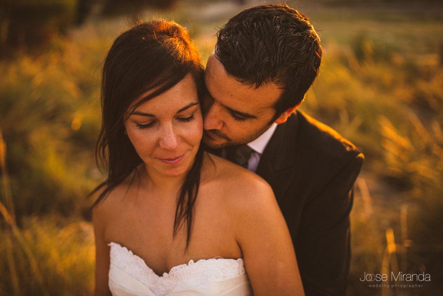 Susana y Marco al atardecer en una fotografía de post boda de Jose Miranda Jaén Martos