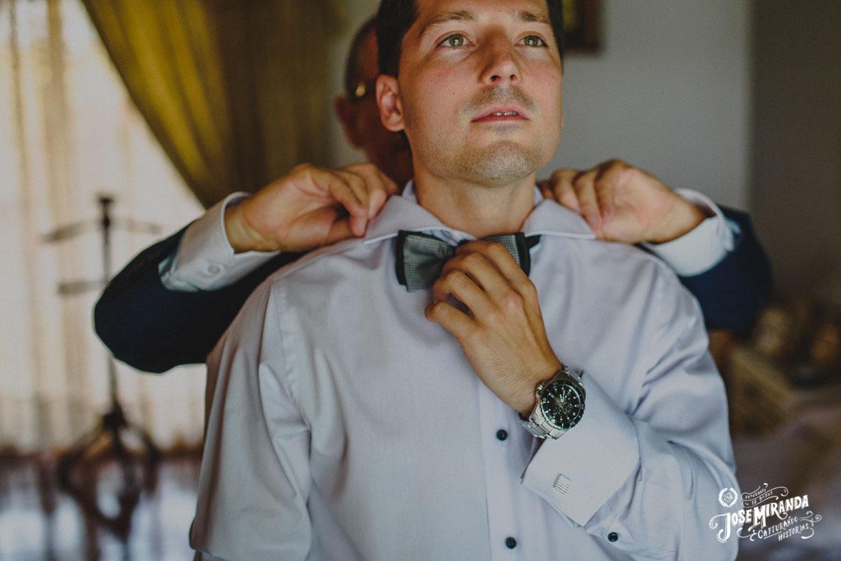 Jose Miranda fotografia retrato novio boda Eli y Pedro en Torredonjimeno