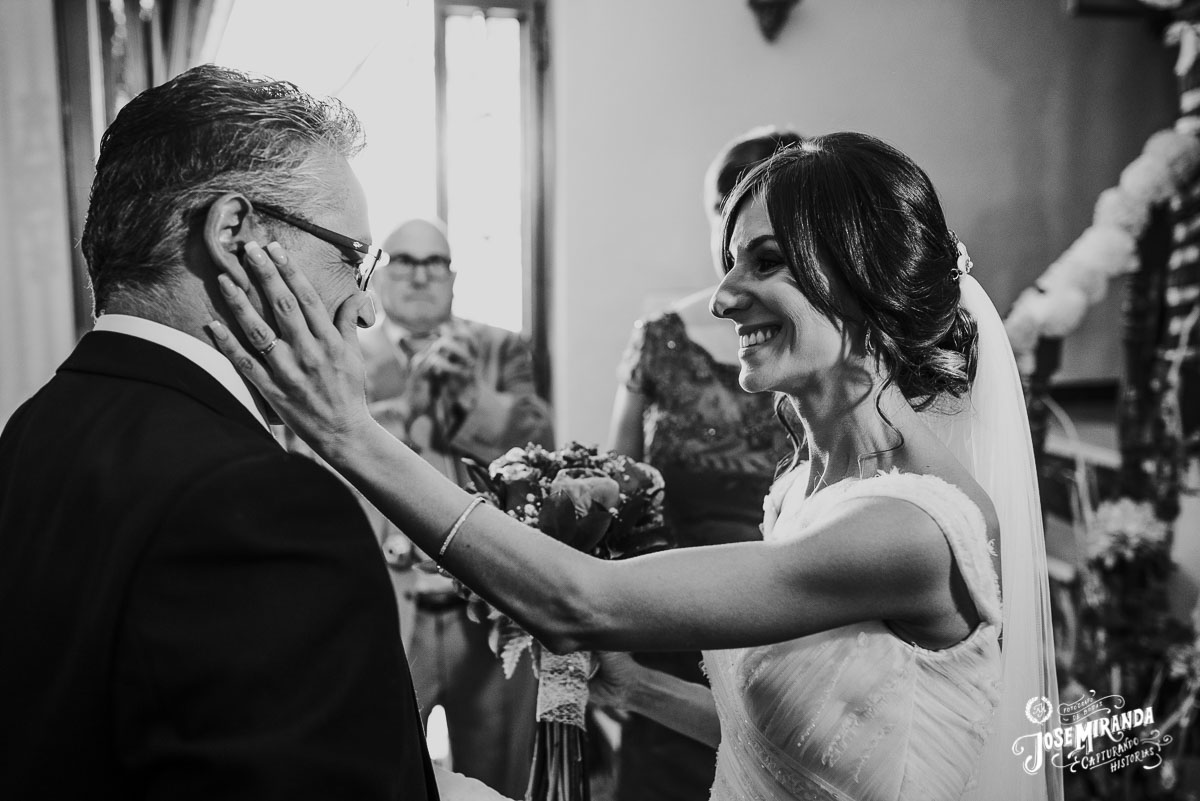 Jose Miranda fotografia boda Torredonjimeno momentos casa ella