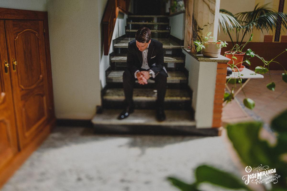 Retrato en casa del novio fotografias por Jose Miranda Fotografia