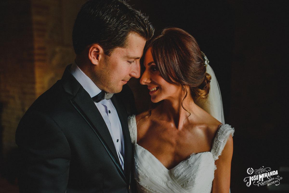 Fotografia love novios Jose Miranda boda de Eli y Pedro